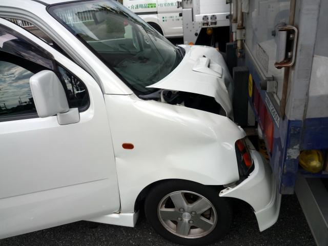社用車・営業車の事故のイメージ